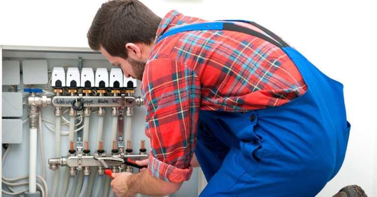 Comment reconnaître un plombier professionnel?