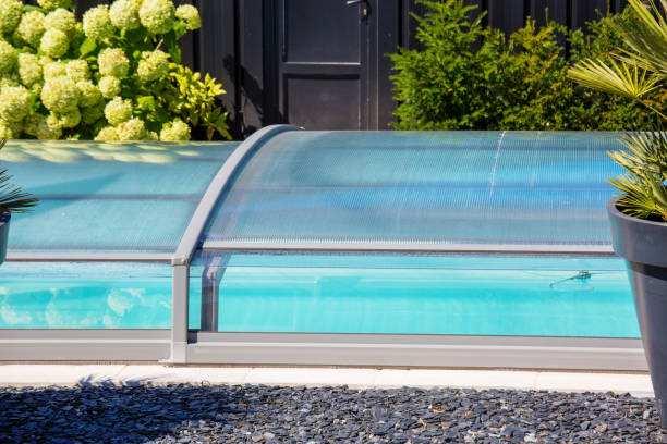 Les différents types de couvertures de piscine disponibles