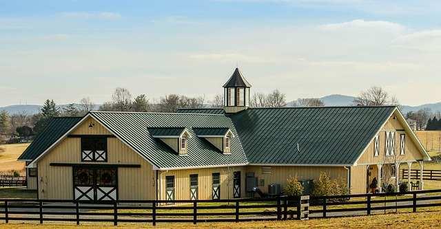 Lucarne ou fenêtre de toit: laquelle choisir?